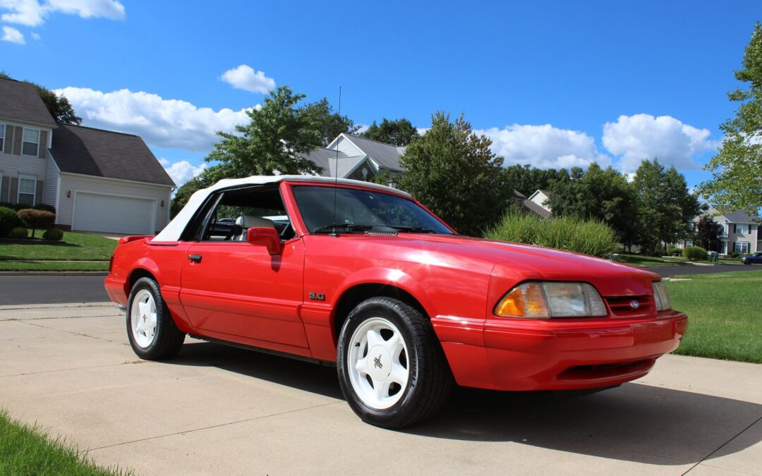 1992 Ford Mustang Convertible FEATURE EDITION